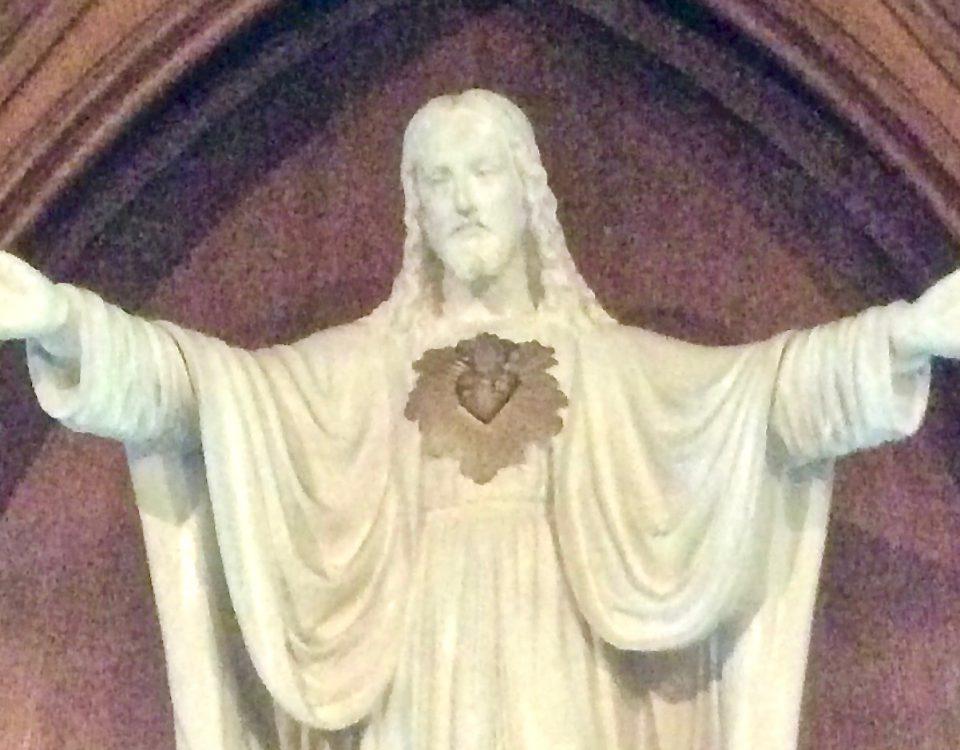 Sagrado Corazón de Jesús ubicado en la cripta de la Casa Madre